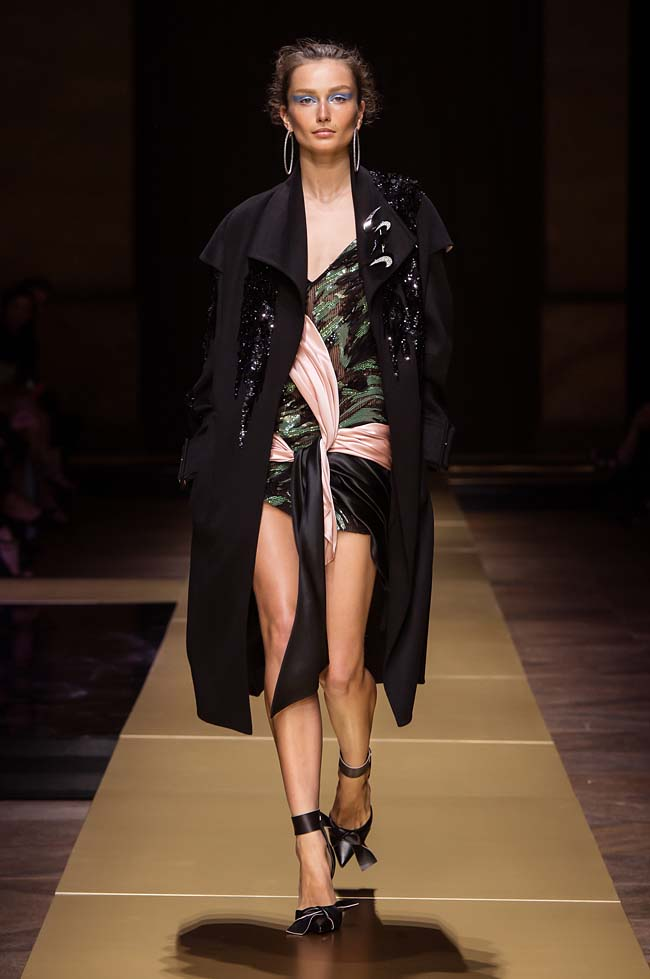 Atelier_Versace_Fall 2016_couture-collection-fashion-week (12)-black-coat-dress