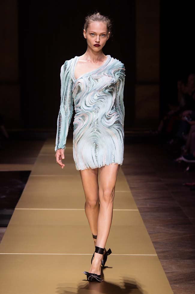 Atelier_Versace_Fall 2016_couture-collection-fashion-week (30)-3d-wave-dress