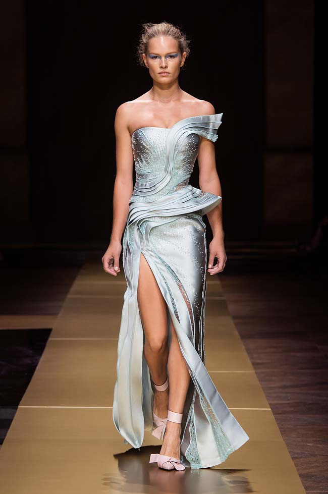 Atelier_Versace_Fall 2016_couture-collection-fashion-week (33)-blue-side-slit-3d-dress