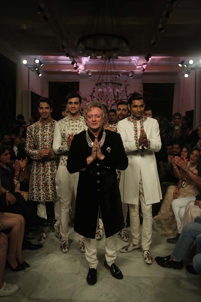 Rohit-Bal-India-Couture-Week-2016-collection-designer-dresses (1)-KEHKASHAAN