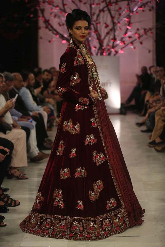 Rohit-Bal-India-Couture-Week-2016-collection-designer-dresses (13)-maroon-lehenga-gown