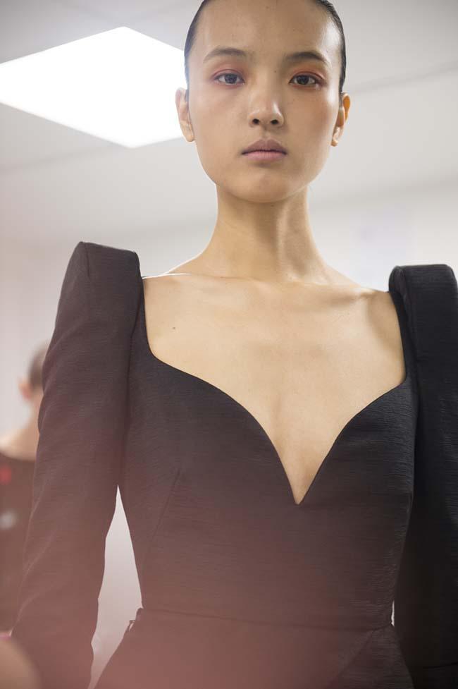 Schiaparelli-Beauty-fw16-fall-winter-2016-17-couture-fashion-show-runway (9)