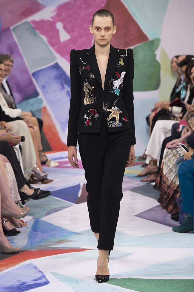 Schiaparelli_haute-couture-fashion-week-fw16-fall-winter-2016-17-collection (19)-black-suit