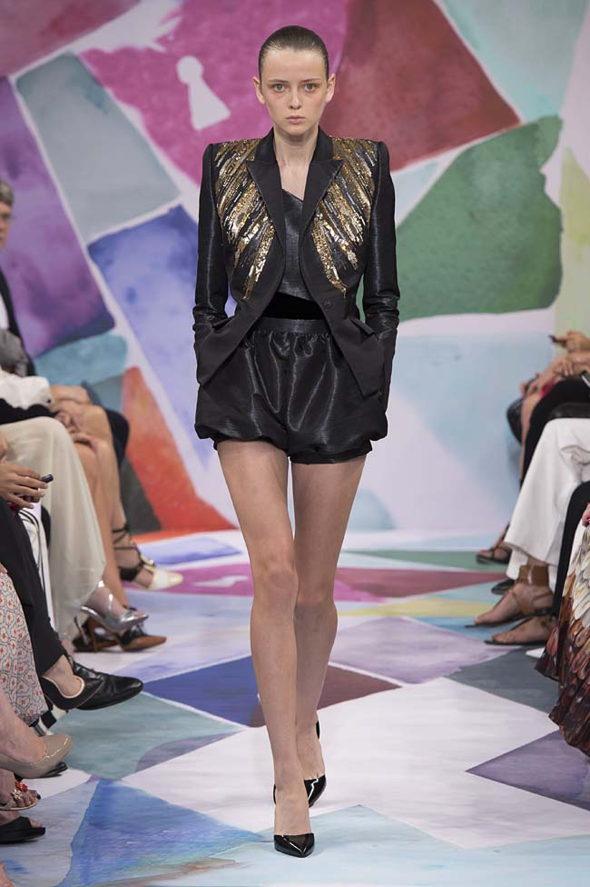 Schiaparelli_haute-couture-fashion-week-fw16-fall-winter-2016-17-collection (20)-black-shorts-jacket