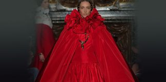 valentino-fall-winter-2016-17-collection-review-red-cape