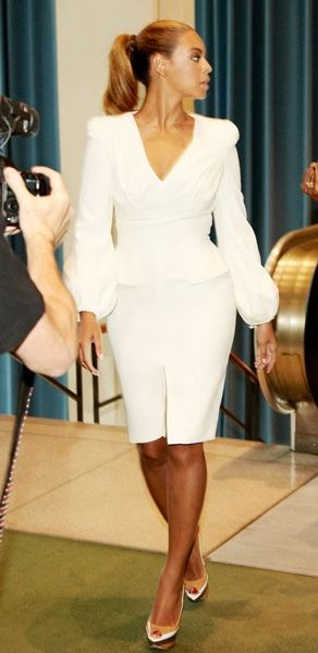 best-work-wear-ideas-for-pear-shaped-body-type-beyonce