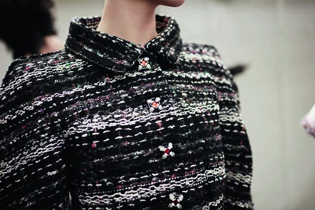 chanel-couture-details-accessories-fall-winter-2016-fashion-show-black-jacket-buttons