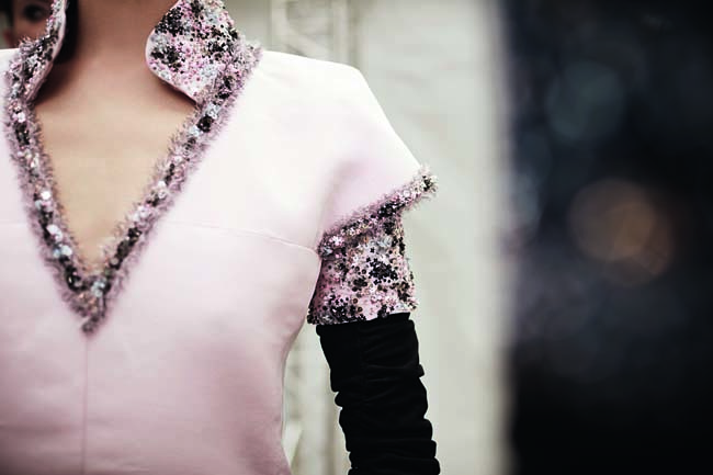 chanel-couture-details-accessories-fall-winter-2016-fashion-show-collar-sequin