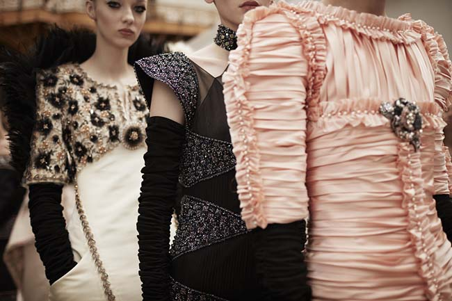 chanel-couture-fall-winter-2016-fashion-show-backstage-models-dresses