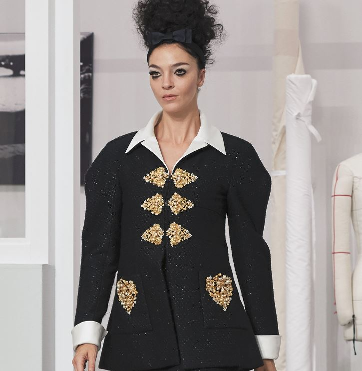 chanel-fall-winter-2016-17-couture-black-outfit-embellished-buttons-gold