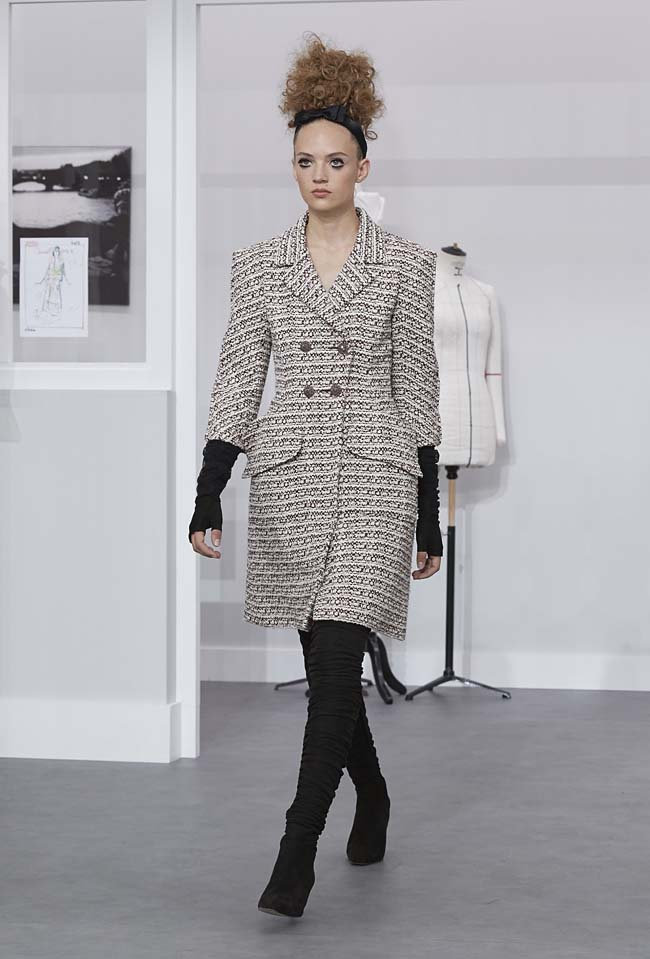 chanel-fall-winter-2016-17-haute-couture-fashion-show-outfit (23)-coat
