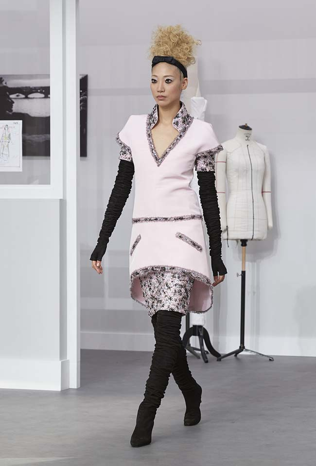 chanel-fall-winter-2016-17-haute-couture-fashion-show-outfit (30)-runway