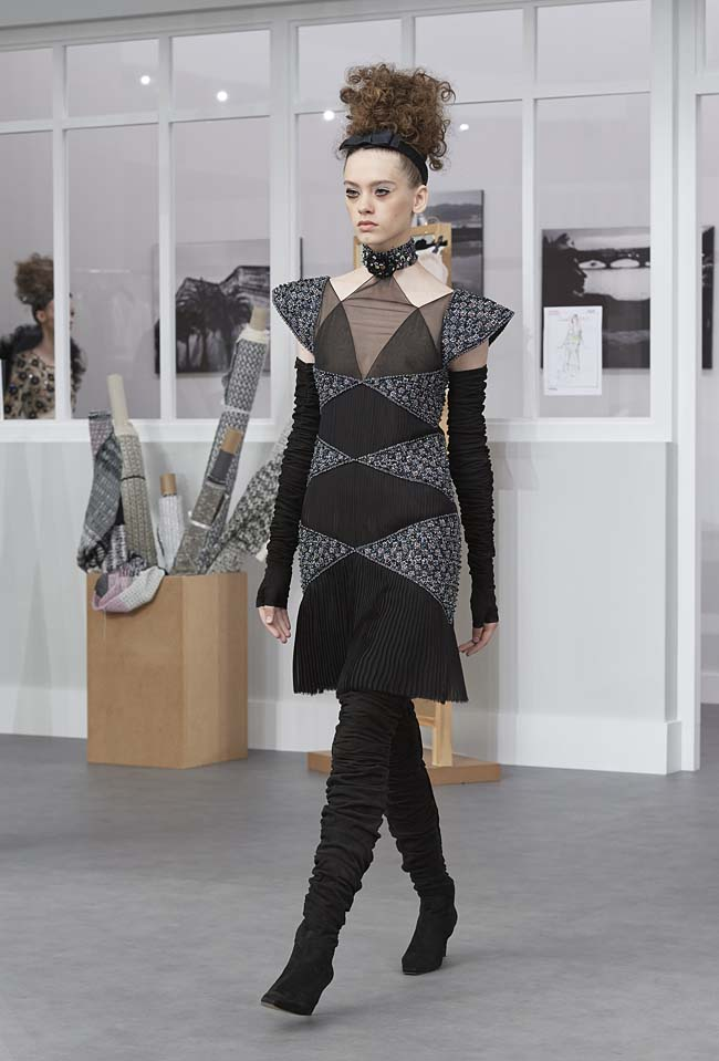 chanel-fall-winter-2016-17-haute-couture-fashion-show-outfit (46)-geometric-dress