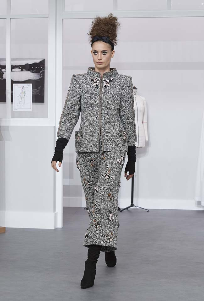 chanel-fall-winter-2016-17-haute-couture-fashion-show-outfit (9)-culottes-grey
