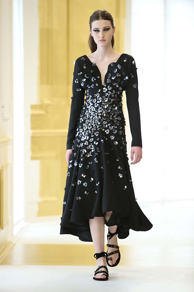 dior-haute-couture-fall-winter-2016-17_AW16-collection-dress (10)-black-sequin-embellished