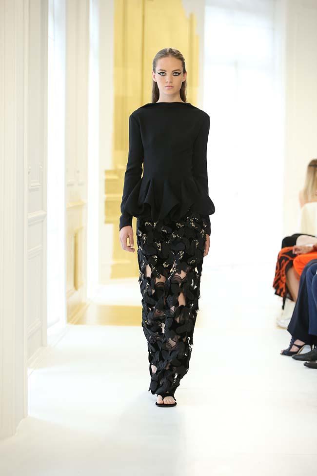 dior-haute-couture-fall-winter-2016-17_AW16-collection-dress (4)-black-skirt-peplum-top
