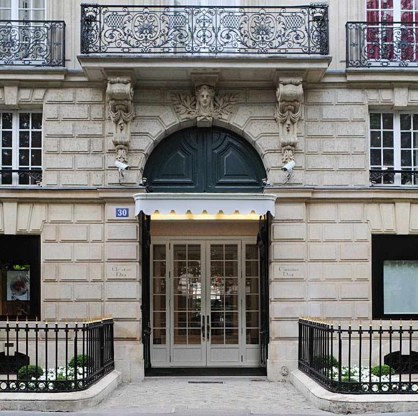 dior-house-30-Avenue-Montaigne-christian-dior-paris-maison