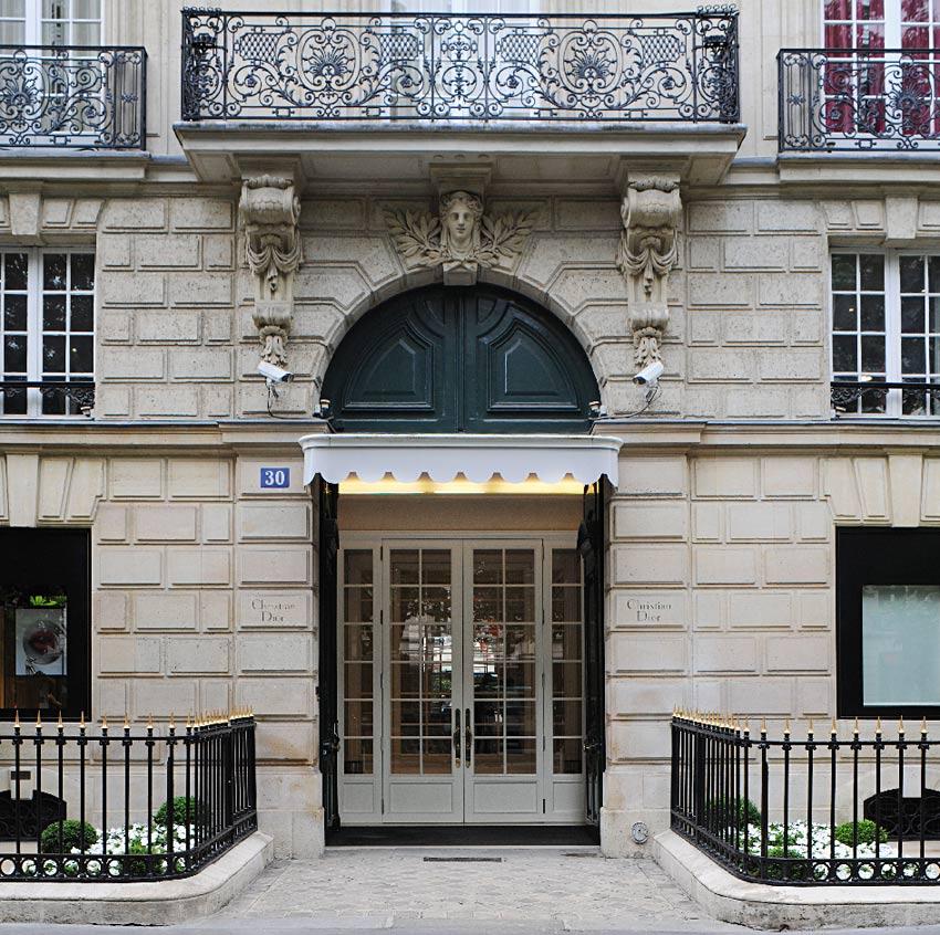 dior house 30 avenue montaigne christian dior paris maison. Black Bedroom Furniture Sets. Home Design Ideas