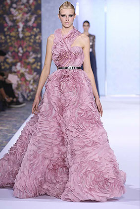 ralph-russo-dress-fashion-week-show-fw16-couture-fall-winter-autumn-2016-lilac-gown