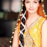 latest-indian-wedding-hairstyle-traditional-style-braided-twisted-bridal-wear-for-reception