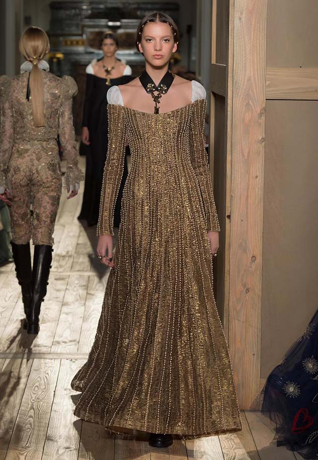 valentino-fall-winter-2016-couture-fashion-show-collection (14)-sequin-gold-off-shoulder-