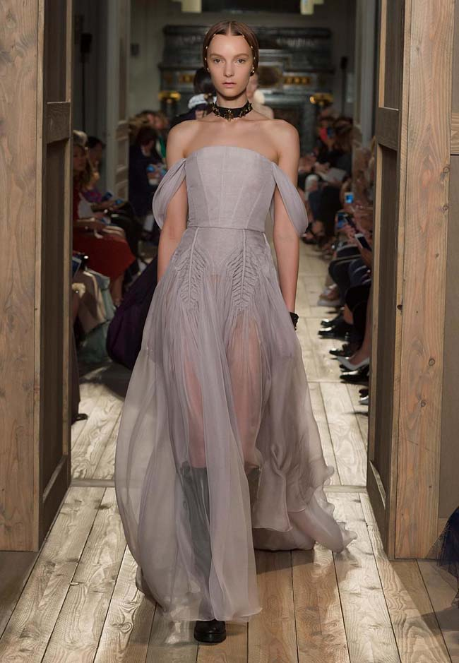 valentino-fall-winter-2016-couture-fashion-show-collection (22)-gown-oss-shoulder-pastel-color