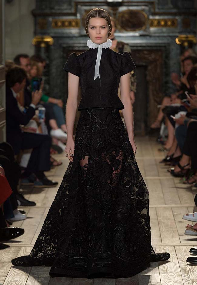 valentino-fall-winter-2016-couture-fashion-show-collection (23)-black-net-floral-printed