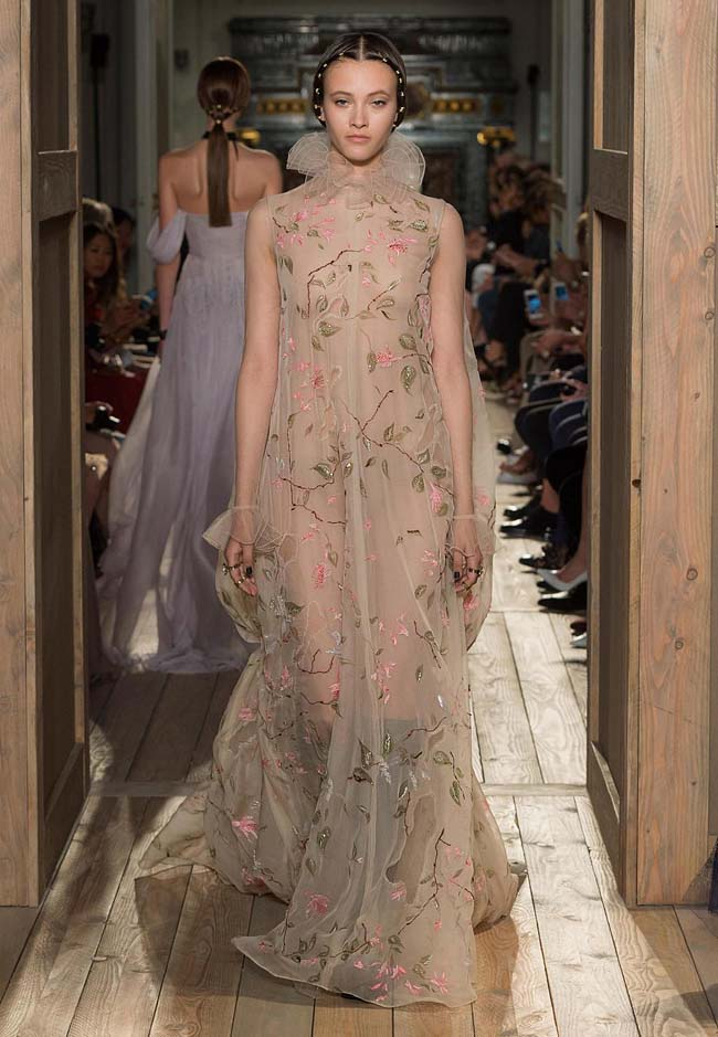 valentino-fall-winter-2016-couture-fashion-show-collection (34)-latest-designs-floral-printed-beige-color