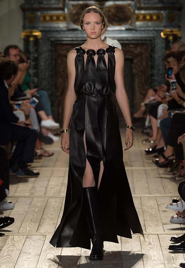 valentino-fall-winter-2016-couture-fashion-show-collection (36)-black-dress-layered-