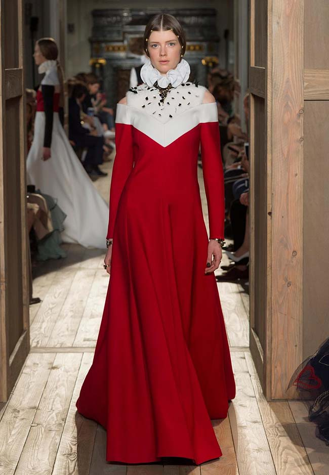 valentino-fall-winter-2016-couture-fashion-show-collection (48)-red-white-ruffled-white-neck