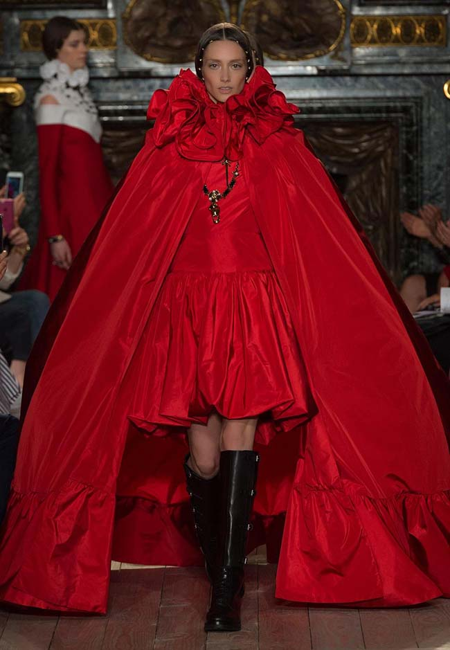 valentino-fall-winter-2016-couture-fashion-show-collection (58)-red-high-low-dress-latest