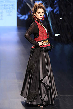 Actress-Kangana-Ranaut-tarun-tahiliani-Lakme-Fashion-Week-Winter-Festive...