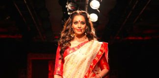 Bipasha-Basu-Sanjukta-Dutta-lakme-fashion-week-LFW-winter-festive-2016-bollywood-actress