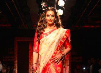 Bipasha-Basu-Sanjukta-Dutta-lakme-fashion-week-LFW-winter-festive-2016-bollywood-actress