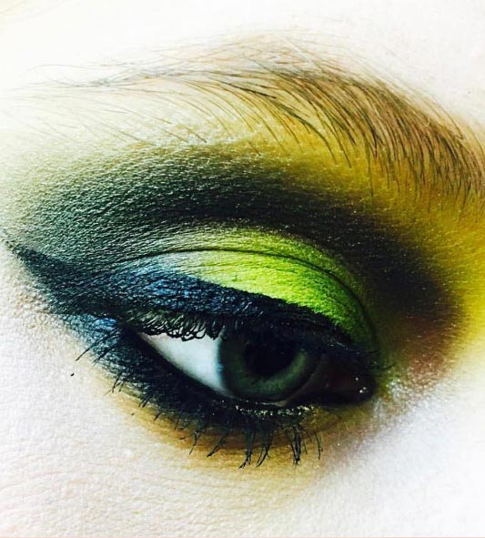 Eye-shadow-chrome-yellow-bottle-green-creme-liner-in-black-lash-mascara-mac-cosmetics-1