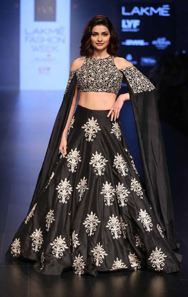 Prachi-Desai-Sonam-and-Paras-Modi-showstopper-lakme-fashion-week-LFW-winter-festive-2016-bollywood-celebrity-actress