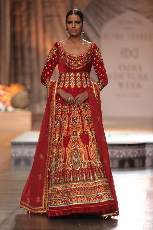 Reynu Taandon-India-Couture-Week-2016-collection-red-embroidery-llong-anarkali-dress-(22)