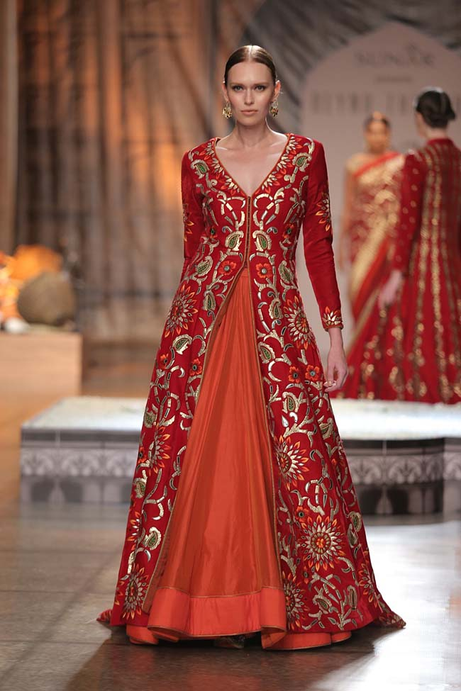 Reynu Taandon-India-Couture-Week-2016-collection-red-embroidery-slit-top-orange-skirt- (17)