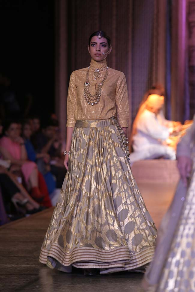 Reynu Taandon-India-Couture-Week-2016-designer-collection-cream-top-golden-print-skirt- (4)