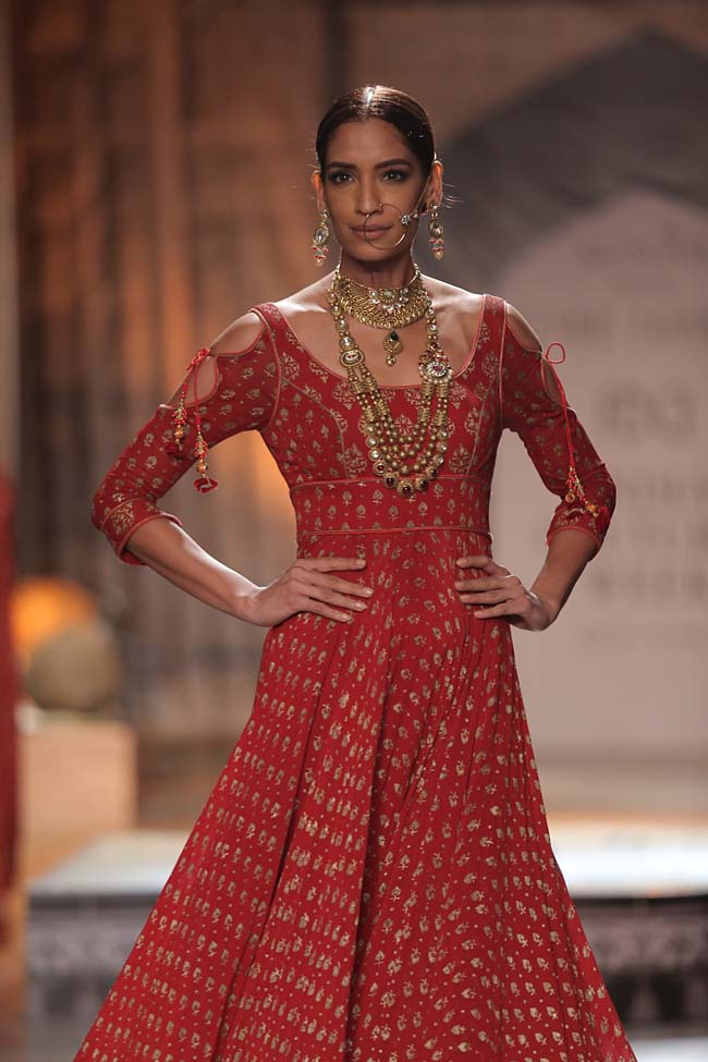 Reynu Taandon-India-Couture-Week-2016-designer-collection-red-print-dress (10)