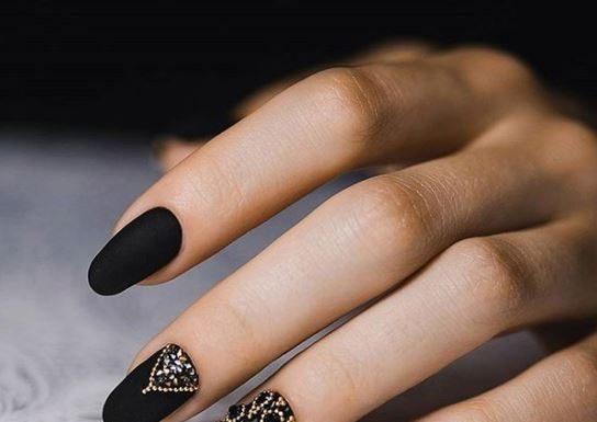 black-nail-art-designs-latest-pinterest-embellished-microbead-2016