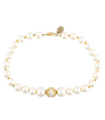 chanel-vintage-pearl-chokers-necklace-accessories-gold-ladies-shopping-best