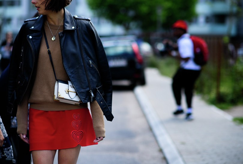 fashion-street-style-best-copenhagen-fashion-week-street-brown-sweat-tshirt-mini-skirt-leather-jacket-white-sling-bag-spring-summer-2016
