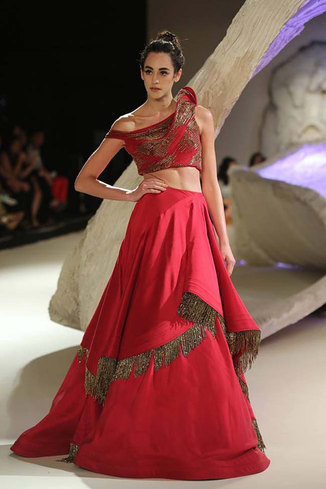 gaurav-gupta-india-couture-week-collection-2016-dress (10)-red-gown-lehenga-skirt