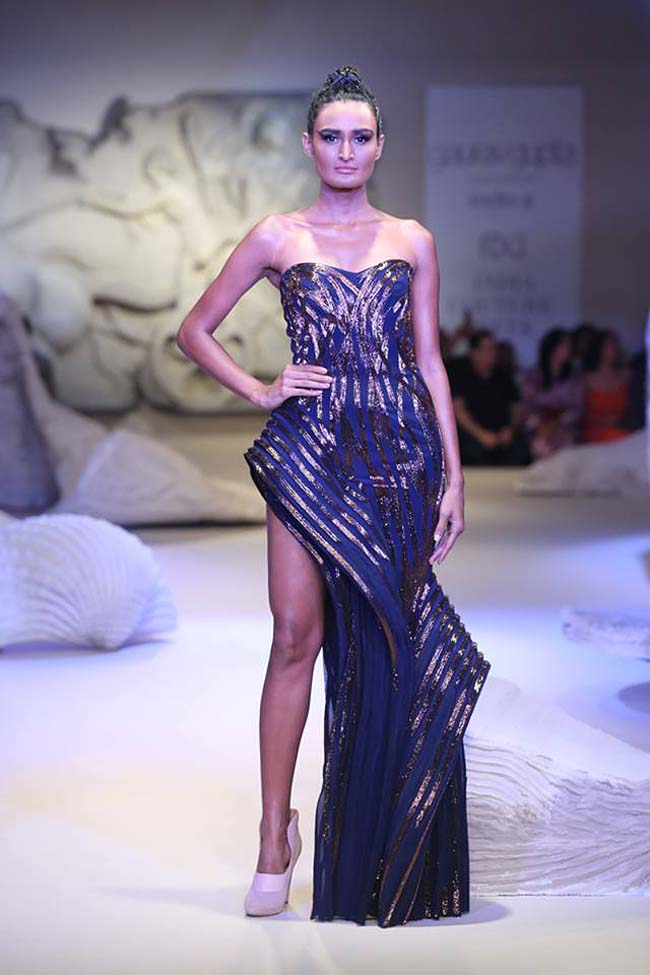 gaurav-gupta-india-couture-week-collection-2016-dress (5)-blue-strapless-one-leg-gown