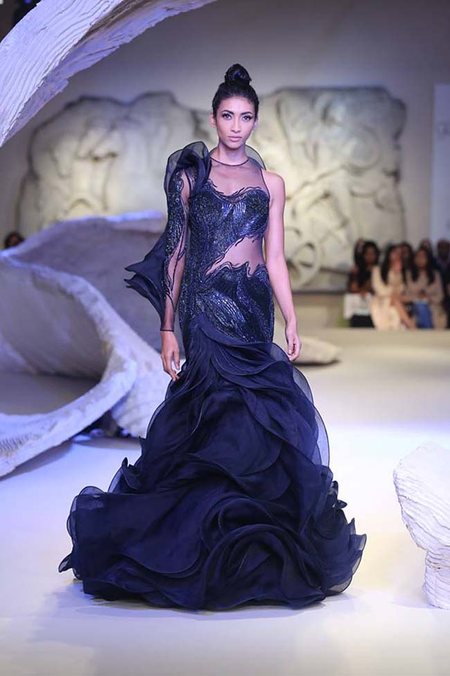 gaurav-gupta-india-couture-week-collection-2016-dress (7)-blue-ruffle-gown-layered