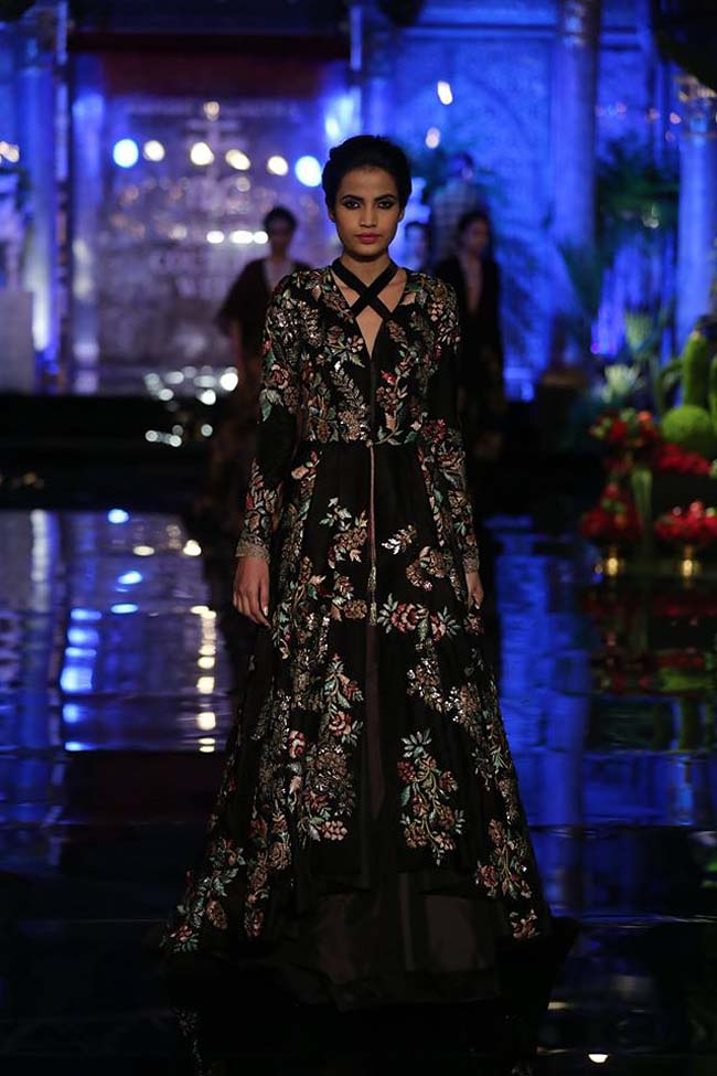 manish-malhotra-couture-collection-2016 (10)-black-gown-flower-embroidery