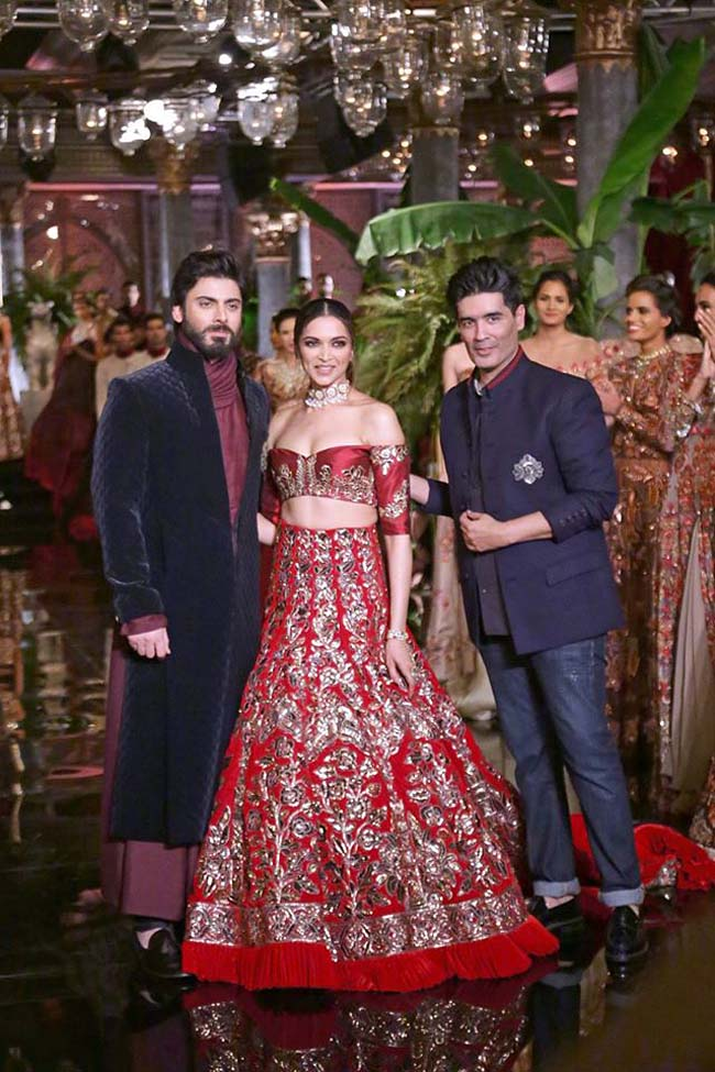 manish-malhotra-couture-collection-2016 (11)-showstopper-deepika-padukone-bollywood