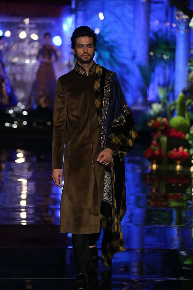 manish-malhotra-couture-collection-2016 (15)-brown-sherwani