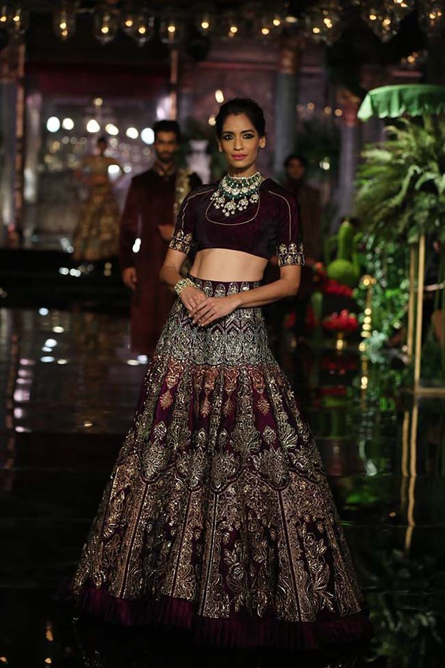 manish-malhotra-couture-collection-2016 (17)-black-brown-lehenga